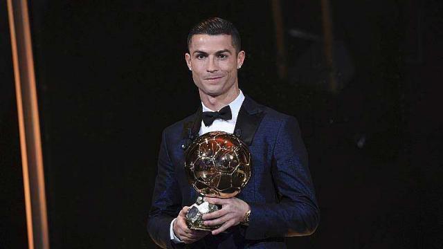 ballon-d-or-2017-cristiano-ronaldo-remporte-son-cinquieme-trophee-de-sa-carriere