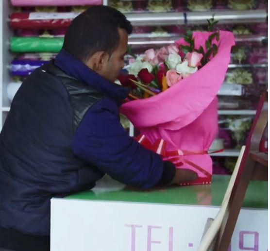 Monastir: Amputé de ses quatre membres, il vend du bonheur Fleuriste
