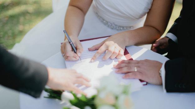 La France veut interdire le mariage des Français avec des ...